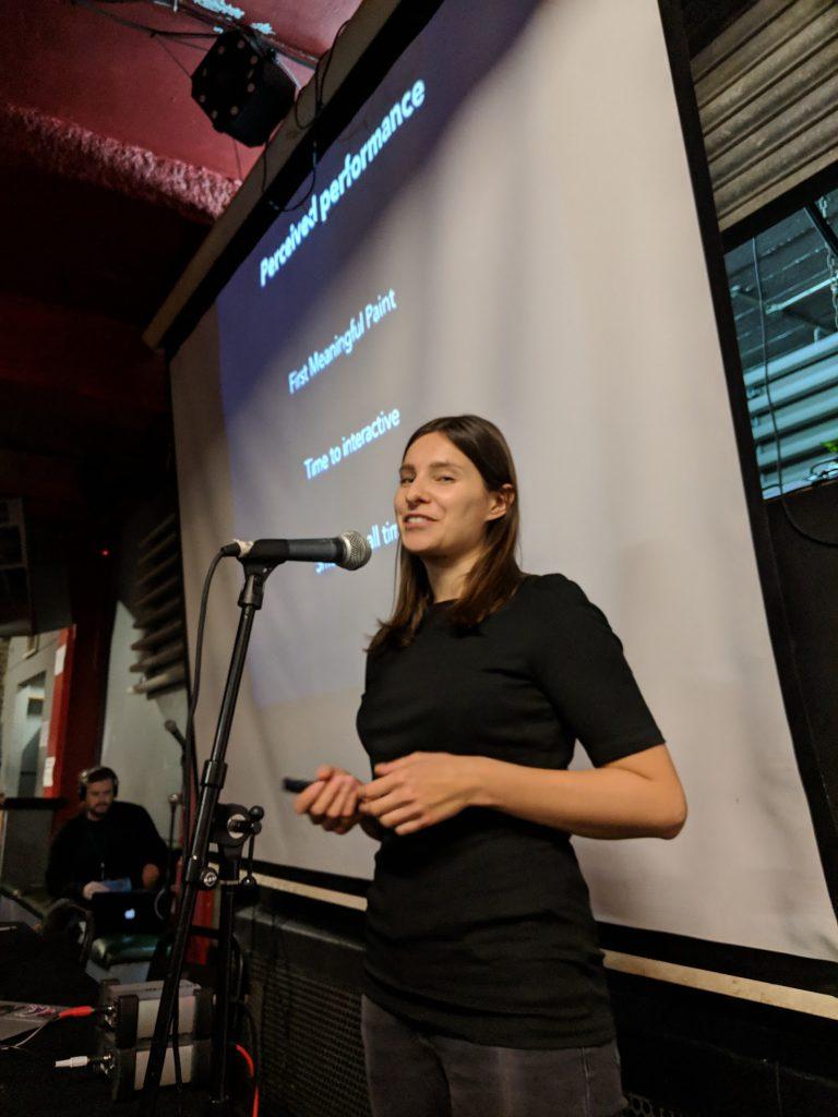 Anna Migas presenting at halfstackconf